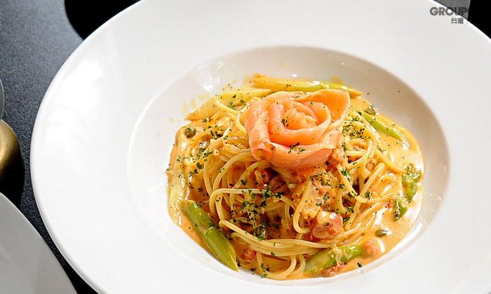白蘭地蕃茄奶油燻鮭義大利麵-(1)